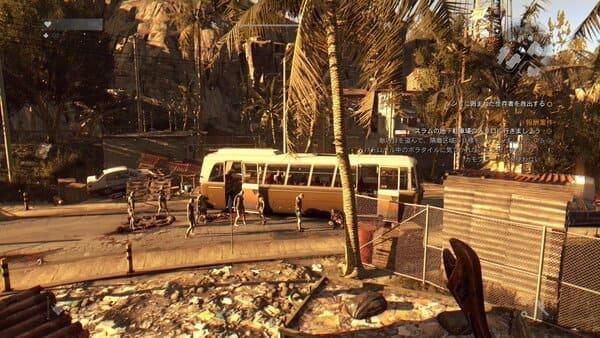 荒廃した街を歩くゾンビの画像