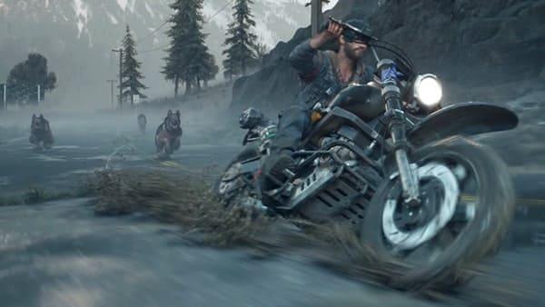 バイクで滑走するディーコンの画像
